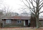 Foreclosed Home in Shirley 11967 8 BEACON ST - Property ID: 4263881