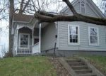 Foreclosed Home in New Albany 47150 1740 E MARKET ST - Property ID: 4263944