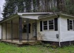 Foreclosed Home in Campton 41301 1625 LITTLE BLOODY CREEK RD - Property ID: 4264013