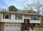 Foreclosed Home in Seaford 23696 208 PURGOLD RD - Property ID: 4264423