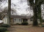 Foreclosed Home in Ville Platte 70586 1008 W WILSON ST - Property ID: 4266095
