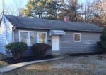 Foreclosed Home in Brentwood 11717 96 EISENHOWER AVE - Property ID: 4267239