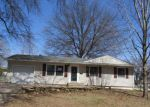 Foreclosed Home in Topeka 66614 3210 SW 31ST ST - Property ID: 4267391