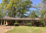 Foreclosed Home in Lexington 39095 104 JORDAN ST - Property ID: 4268519