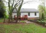Foreclosed Home in Madison Heights 24572 140 OAKLAND DR - Property ID: 4270096