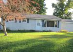 Foreclosed Home in Clinton 61727 34 HICKORY DR - Property ID: 4271259