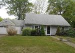 Foreclosed Home in Stratford 6614 70 CASTLE DR - Property ID: 4272633