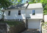 Foreclosed Home in Waterbury 6705 245 MILL PLAIN AVE - Property ID: 4273199