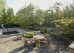 Foreclosed Home in Northbrook 60062 11 BRIDLEWOOD RD - Property ID: 4276165