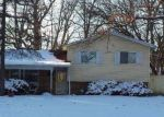 Foreclosed Home in University Park 60484 718 CIRCLE DR - Property ID: 4277473