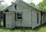 Foreclosed Home in Yorktown 78164 331 E 4TH ST - Property ID: 4277984