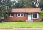 Foreclosed Home in Waterford 48329 2030 OAKDALE DR - Property ID: 4278486