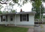 Foreclosed Home in Bloomington 61701 1224 S HINSHAW AVE - Property ID: 4278672