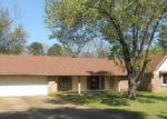 Foreclosed Home in Jackson 39211 1440 MOSSLINE DR - Property ID: 4280961