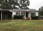 Foreclosed Home in Kilgore 75662 706 CARLISLE DR - Property ID: 4281637