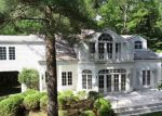 Foreclosed Home in East Hampton 11937 19 POWDER HILL LN - Property ID: 4281940