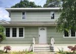 Foreclosed Home in Center Moriches 11934 37 SURREY DR - Property ID: 4281963