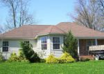 Foreclosed Home in Brewerton 13029 8801 BEACH RD - Property ID: 4281982