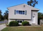 Foreclosed Home in Amityville 11701 85 COLUMBUS BLVD - Property ID: 4282011
