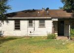 Foreclosed Home in Beaumont 77707 795 SMELKER ST - Property ID: 4285349