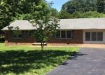 Foreclosed Home in Hopkinsville 42240 1030 SANDERSON DR - Property ID: 4288075