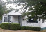 Foreclosed Home in Dallas 75224 2334 BARLOW AVE - Property ID: 4288146