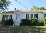 Foreclosed Home in Cranston 2910 38 DAVIS AVE - Property ID: 4288163