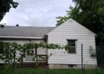 Foreclosed Home in Fayetteville 13066 303 WALNUT ST - Property ID: 4288467