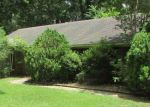 Foreclosed Home in Vicksburg 39180 405 GOODRUM RD - Property ID: 4288661