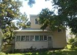 Foreclosed Home in Osawatomie 66064 400 CHESTNUT ST - Property ID: 4288927