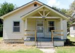 Foreclosed Home in Hutchinson 67501 607 N MADISON ST - Property ID: 4288969