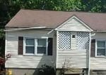 Foreclosed Home in Waterbury 6706 111 MIDDLE ST - Property ID: 4289365