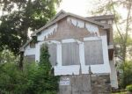 Foreclosed Home in Danbury 6811 4 LAKE RD - Property ID: 4289375