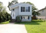 Foreclosed Home in Glen Burnie 21060 7720 OVERHILL RD - Property ID: 4290469