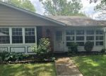 Foreclosed Home in Lakewood 8701 606B LAKE POINT DR - Property ID: 4290958