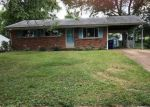 Foreclosed Home in Fenton 63026 2007 JANICULUM DR - Property ID: 4291832