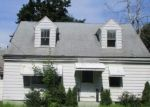 Foreclosed Home in Wynantskill 12198 71 W SAND LAKE RD - Property ID: 4293714