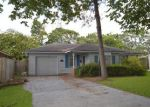 Foreclosed Home in Nederland 77627 708 N 22ND ST - Property ID: 4294739