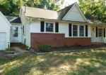 Foreclosed Home in Shelby 28150 1419 KINGS CIR - Property ID: 4294992