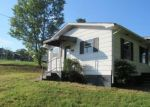 Foreclosed Home in Clinton 37716 391 PEACH ORCHARD RD - Property ID: 4296497