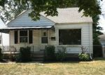 Foreclosed Home in Harper Woods 48225 18558 WOODLAND ST - Property ID: 4301294