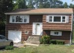 Foreclosed Home in Huntington Station 11746 15 WAYWOOD PL - Property ID: 70030784