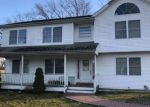 Foreclosed Home in Bay Shore 11706 12 BREWSTER ST - Property ID: 70050024