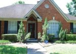 Foreclosed Home in Missouri City 77459 5026 MOSS RUN DR - Property ID: 70083363