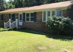 Foreclosed Home in Morehead City 28557 915 N YAUPON TER - Property ID: 70122373