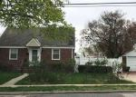 Foreclosed Home in Uniondale 11553 697 CAMPUS ST - Property ID: 70125616