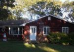 Foreclosed Home in Hampton Bays 11946 29 GRAVEL HILL RD - Property ID: 70127988