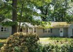 Foreclosed Home in Miller Place 11764 20 HONEY LN - Property ID: 70128943