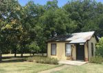 Foreclosed Home in Kerrville 78028 728 LYTLE ST - Property ID: 70129822