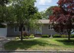 Foreclosed Home in Centereach 11720 182 SMITHTOWN POLK BLVD - Property ID: 70133552